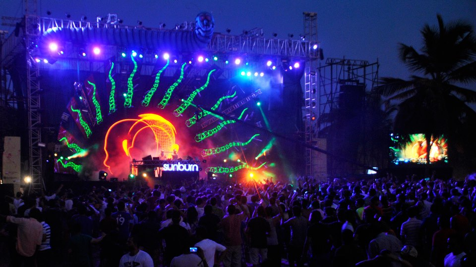 Mini-India-Sunburn-2012-4